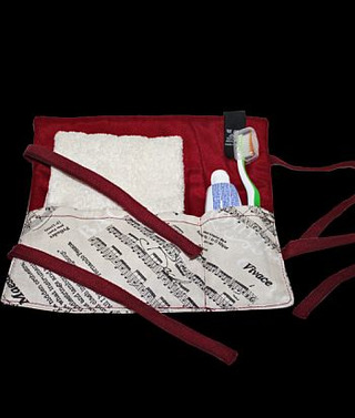 Toothpaste Travel Bag (with Towel)